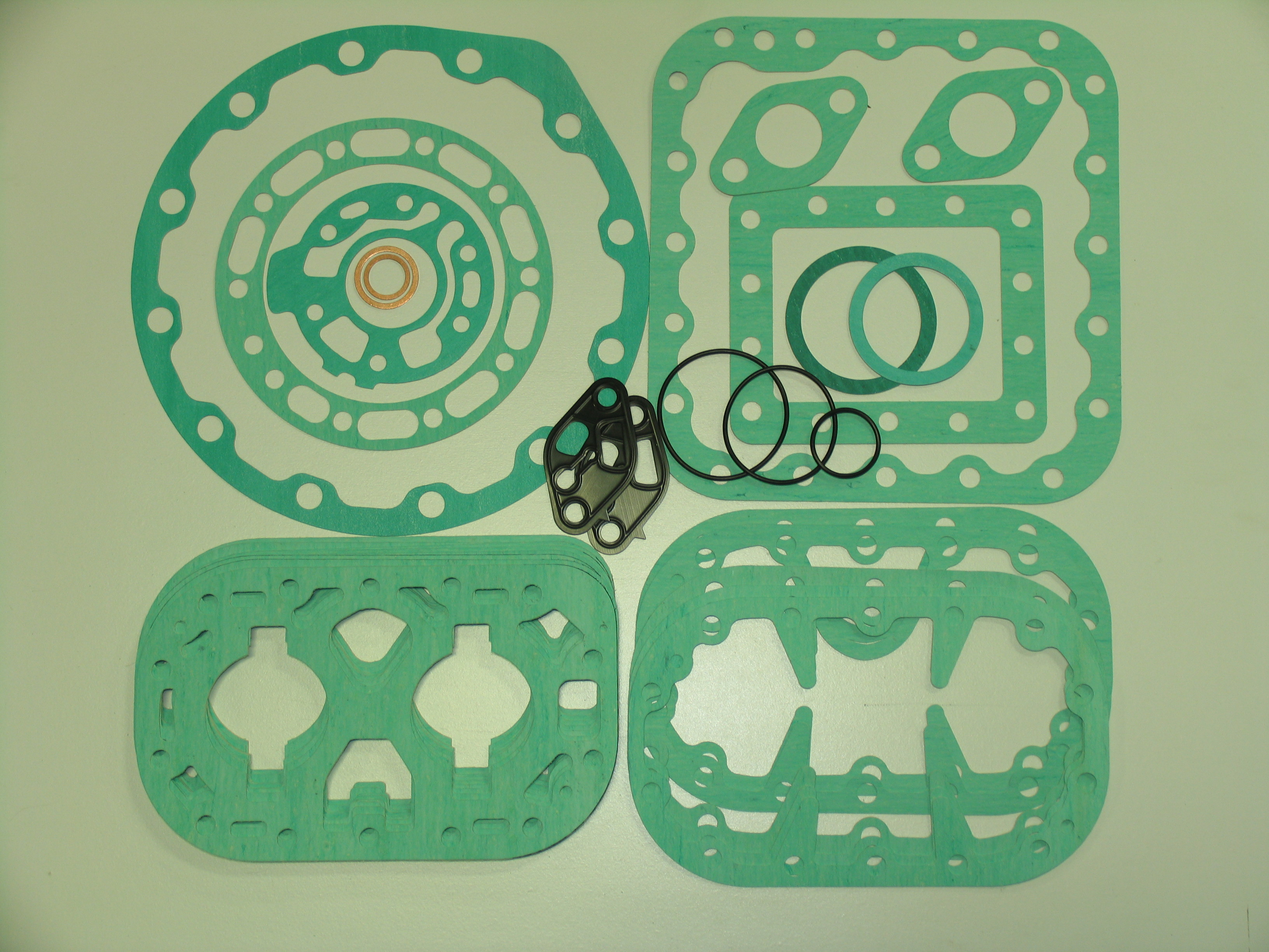 KIT-5318 Gasket Kit; R/N 998-1669-01 All 6D Modles